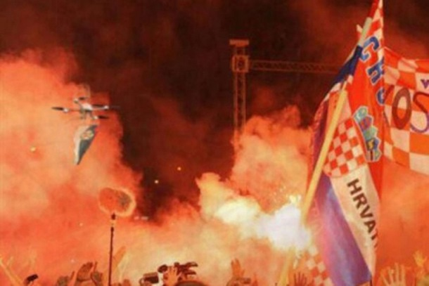 Photo of Lažna vijest o »srpskom dronu« na koncertu Tompsona! (foto)