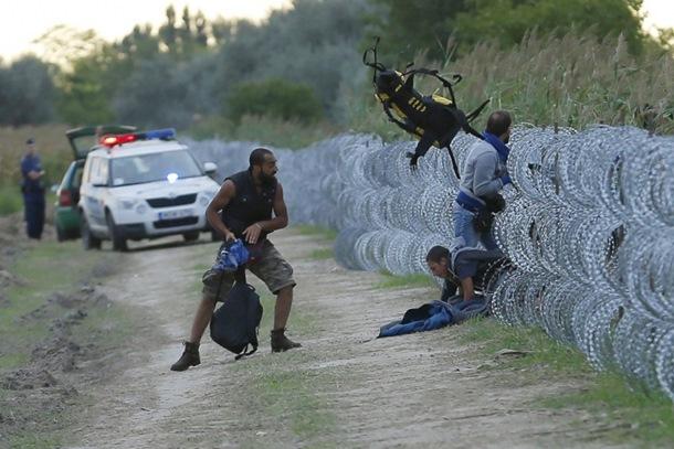 Photo of Mađari bacali suzavac na migrante, malo im ograda (foto)