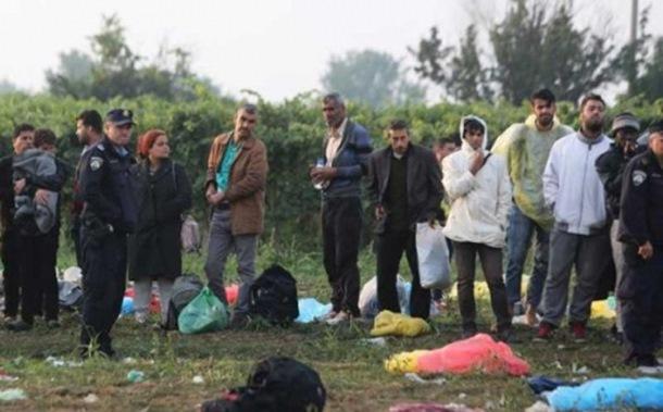 Photo of Ne srpskim vozilima, izbjeglice preko njiva do Hrvatske