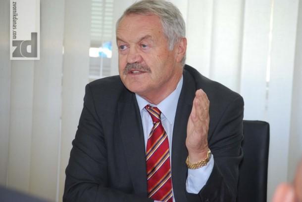"""Predsjednik Kompanije """"Boksit"""" Mr Rajko Dukić, podvukao da Fabrika u Zvorniku danas radi mnogo bolje nego prije dvije-tri godine, iako, kako je rekao, ima još puno neriješenih problema"""