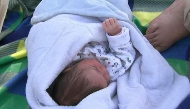 Photo of Beba stara 5 dana čeka na Horgošu