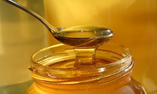 Photo of Pojava falsifikata meda je ogromna: Pčelar otkrio koja vrsta najljekovitija i kako prepoznati koji je lažni
