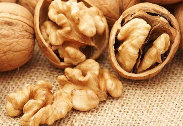 Photo of Istina ili mit: Liječi li zaista 'čudotvorna' smjesa od oraha rak?