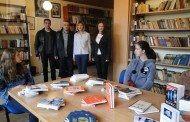 """""""Mikrofin"""" donirao knjige za školsku biblioteku u SŠC """"Petar Kočić"""""""
