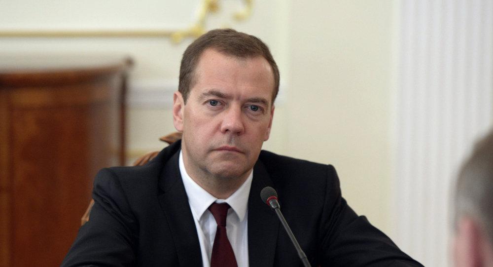 Medvedev: Stav SAD da ne primi rusku delegaciju je glup
