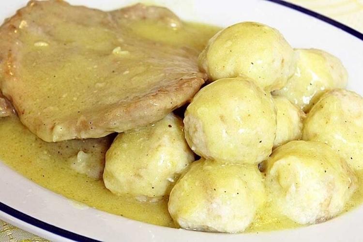 Photo of Recept dana- Knedle od hljeba i šnicle sa bijelim lukom i senfom