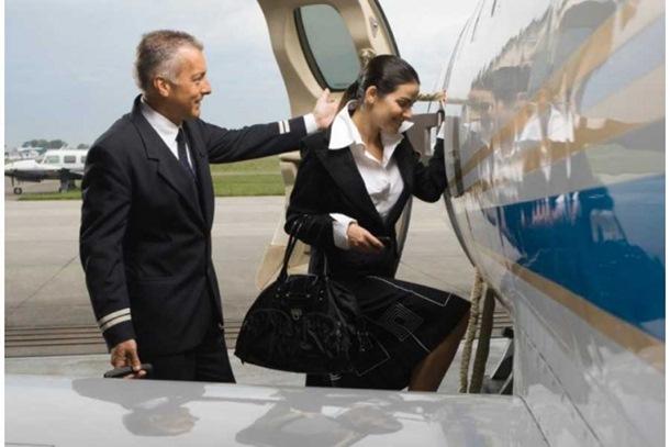 Photo of Dvostruki život stjuardese: Pružala seksualne usluge i zaradila 880.000 evra!
