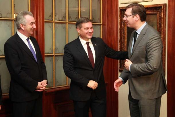 Vučić dočekan u Sarajevu uz najviše državne i vojne počasti