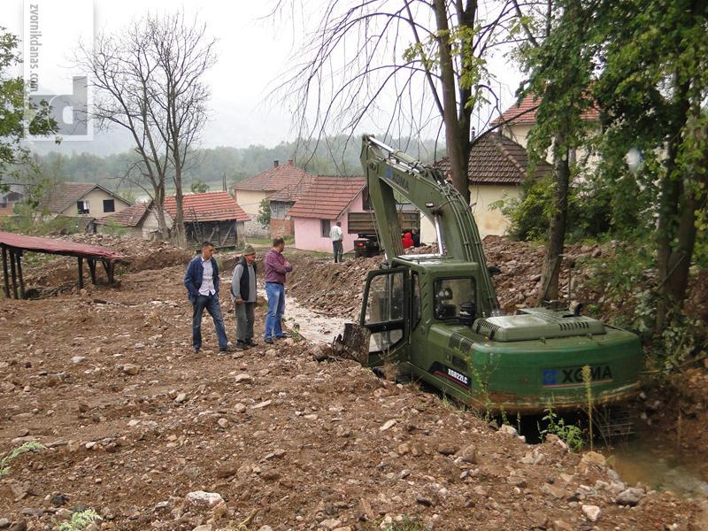 Photo of Oružane snage BiH u 15 zvorničkih mjesnih zajednica otklanjale posljedice poplava