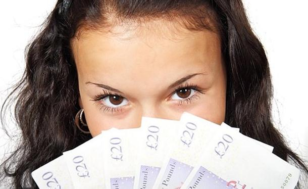 Istraživanje: Evo kako novac zaista utiče na ljude
