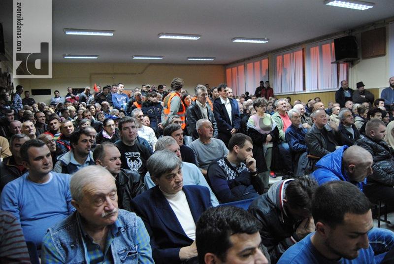 "Photo of Predstavljena knjiga ""Srpski narod mora da oslobodi Kosovo"""