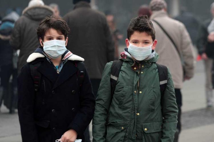 Sarajevo mjesec dana u magli: Građani razgrabili maske, škole od sutra zatvorene