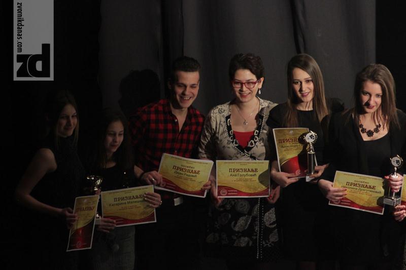 Photo of Akademija Pozorišta mladih Zvornik: Uručene nagrade najboljim glumcima i glumicama