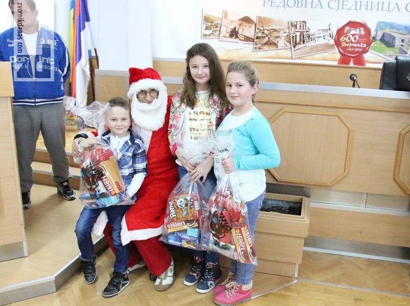 Photo of Boračka organizacija podijelila paketiće