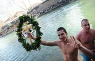 Ni minus nije spriječio tradiciju: Građani RS plivali za Časni krst (foto)
