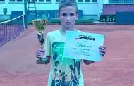 POZVAN U REPREZENTACIJU: Veliki uspjeh Radomira Tomića, mladog tenisera iz Zvornika