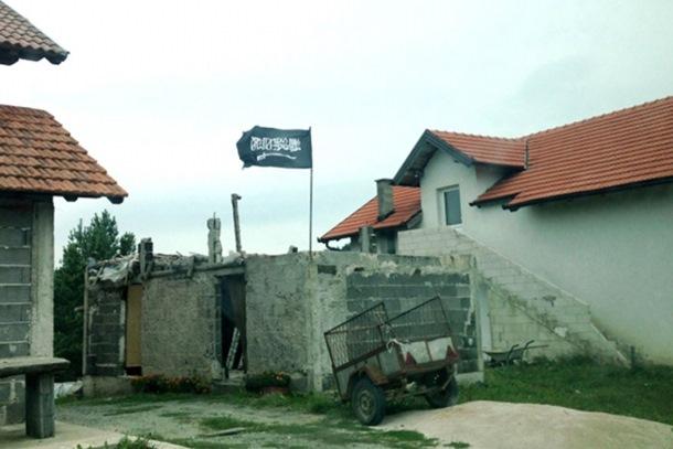 """Photo of Die Welt u Ošvama i Gornjoj Maoči: """"Sa divljacima ID mi nemamo ništa"""""""