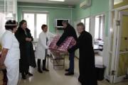 Boškovići poklonili televizor dječijem odjeljenju