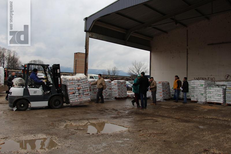 Photo of Podjela mineralnog đubriva poljoprivrednicima