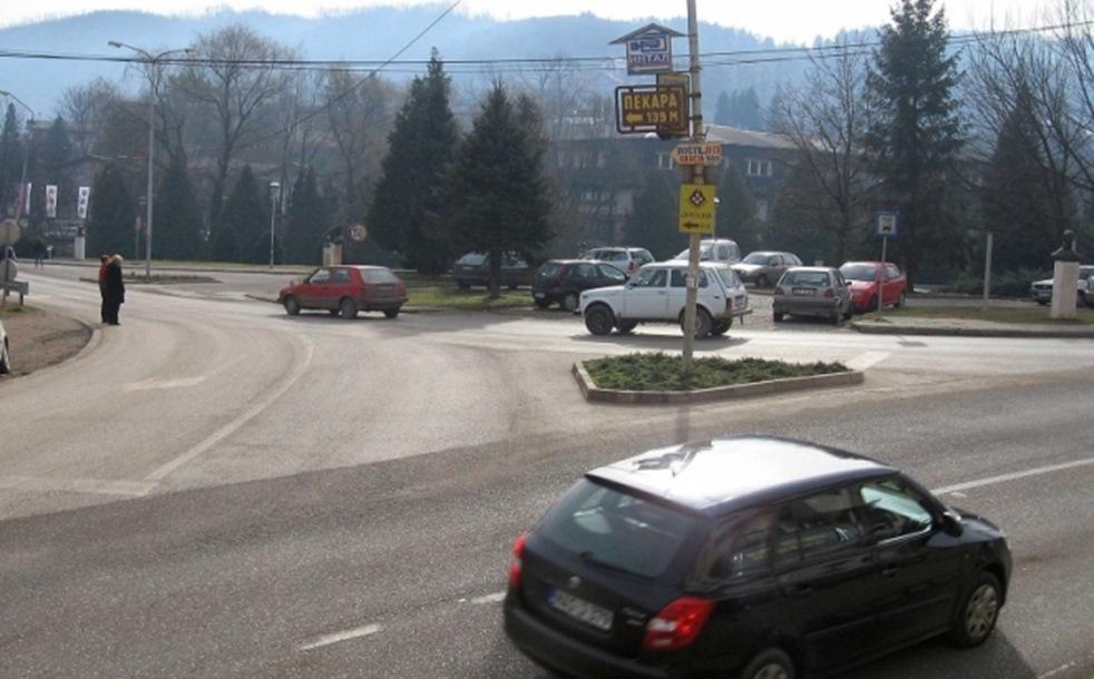 Haos u Milićima: Benzinom na benzinskoj pumpi polio dva lica i pokušao ih zapaliti