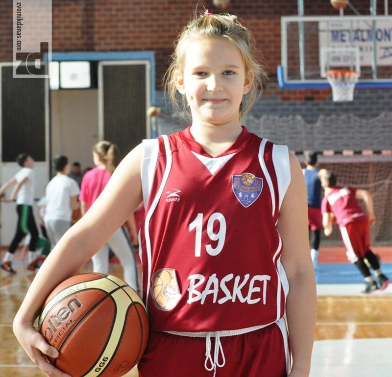 Photo of Milica Dragićević veliki košarkaški talenat iz Zvornika: Redovno pobjeđuje starije od sebe