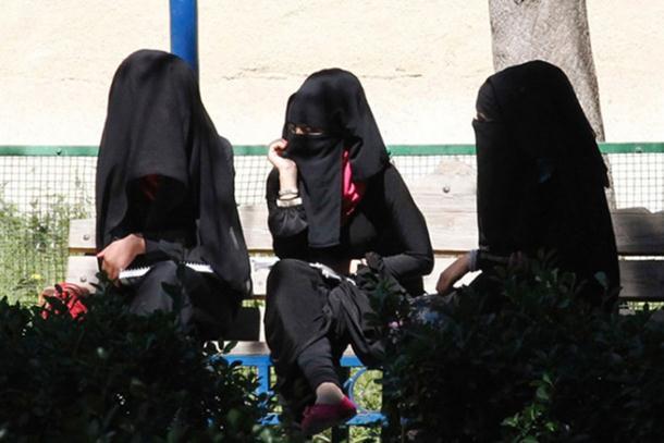 Photo of Život u Raki: U prijestonici ID najviše žena iz Bosne i Hercegovine