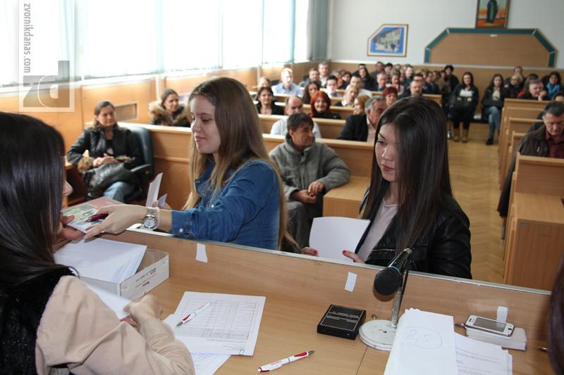 Photo of Ugovori i prva rata stipednije za 107 uspješnih studenata