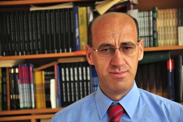 """Photo of """"Istočna alternativa"""": RS ne treba da finansira putovanja Ramiza Salkića"""