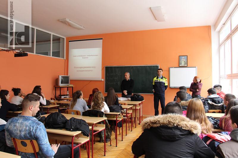 Photo of Savjet za bezbjednost saobraćaja organizovao predavanja za maturante