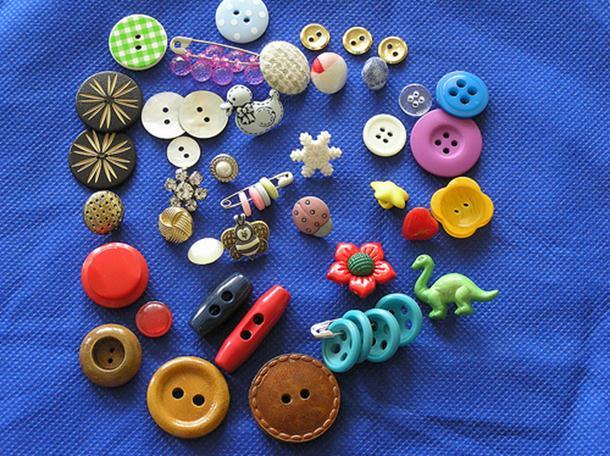 Uradi-sam: originalni umjetnički predmeti od dugmadi
