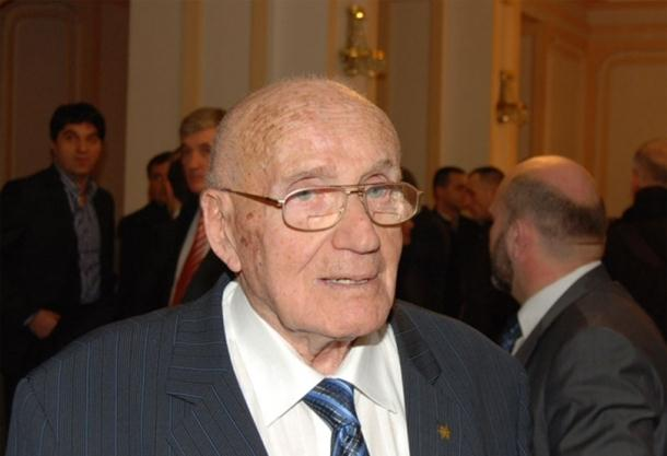 Photo of Ispravna odluka o neprisustvovanju komemoraciji u Jasenovcu