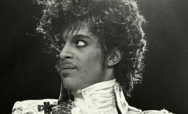 Photo of Američka pop zvijezda Prins iznenada preminuo