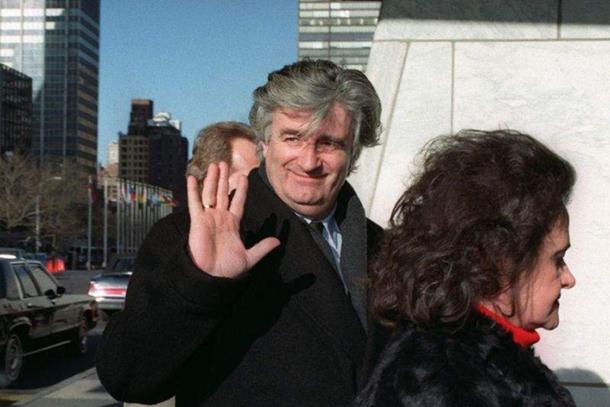 """Photo of Radovan Karadžić 1993. dao intervju u Njujorku: """"Nisam ubio nikoga osim njujorških žohara"""""""
