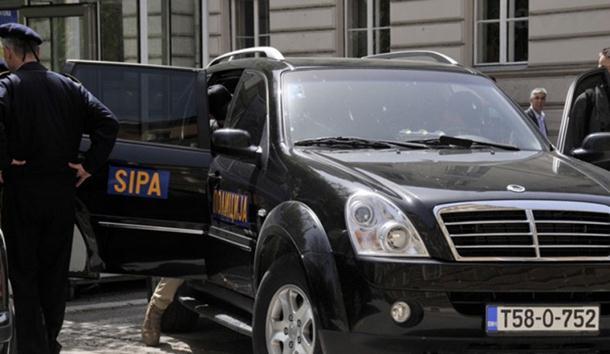 Photo of SIPA vrši pretrese na 29 lokacija zbog ilegalnih cigareta, oštećen budžet za 36 miliona KM