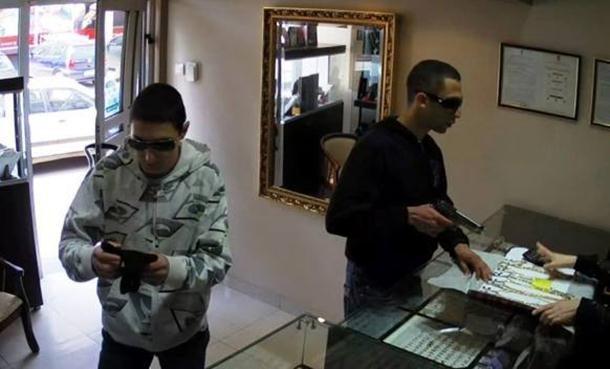 U Bijeljini uhapšeni pljačkaši zlatare (3)