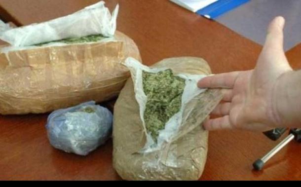 Policajci švercovali marihuanu