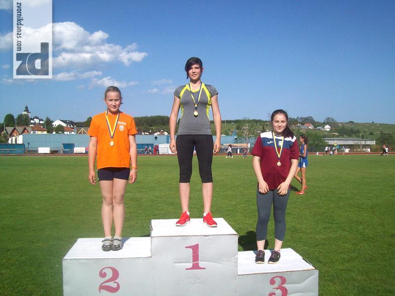 Photo of 11 medalja za mlade zvorničke atletičare