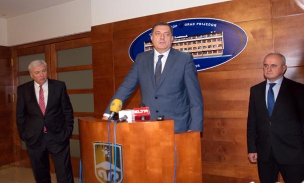 Photo of Miting i kontramiting: Dodik zove opoziciju na dogovor