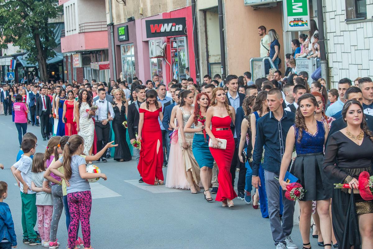 Photo of Večeras defile maturanata glavnom zvorničkom ulicom