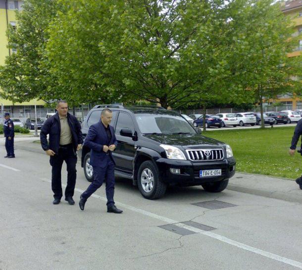 Ministar Lukač sa predfstavnicima opozicije prije mitinga
