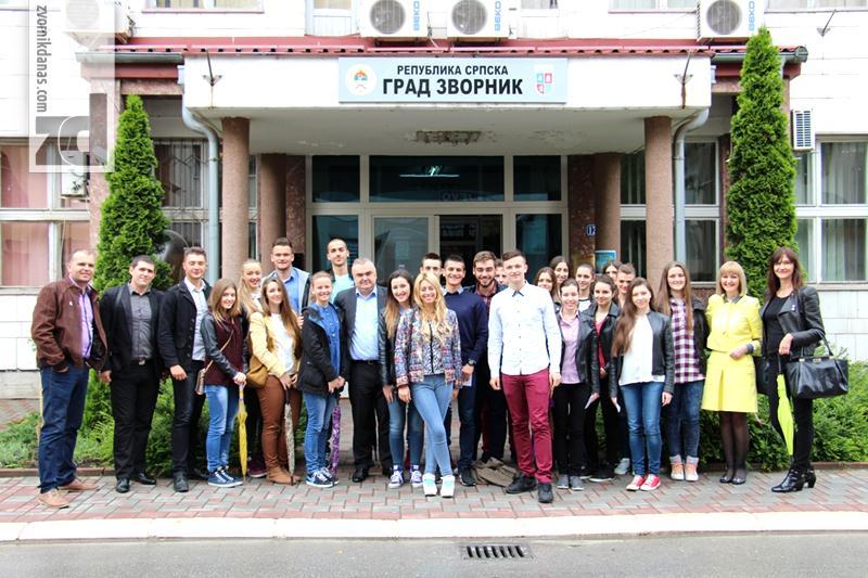 Photo of Prijem i nagrade za nosioce Vukove diplome u srednjim školama