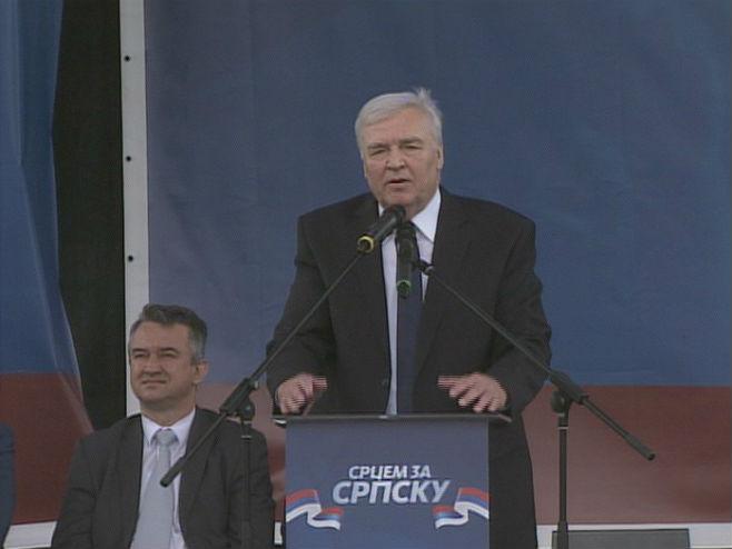 Pavić: Srpska je naša svetinja