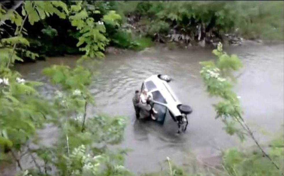 Vojnici spasili ženu iz rijeke