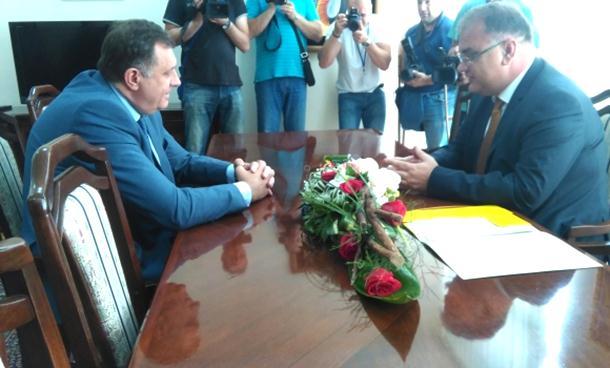 Dodik i Ivanić: Nelegitimna odluka o popisu neće proći