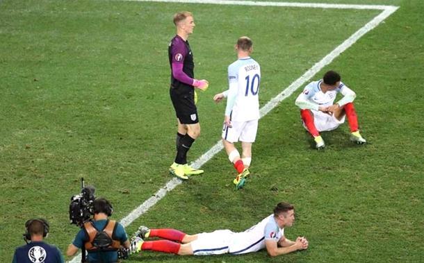Photo of Burne reakcije nakon ispadanja Engleske: Selektor je budala, a igrači postali zvijezde viceva