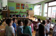 Sredstvima iz gradskog budžeta kupljen nov namještaj za učionicu