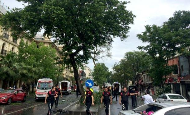 Photo of Istanbul: Napad na policijski autobus, najmanje 11 mrtvih
