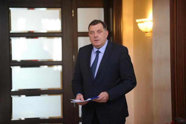 Photo of Dodik povrijedio nogu u igri sa unucima