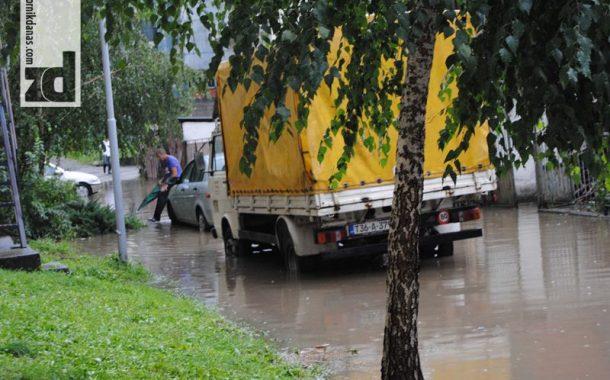 Nije bilo štete od nevremena niti izlivanja bujičnih potoka i rijeka (foto)