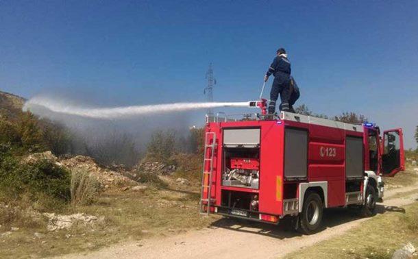 Borba sa vatrenom stihijom dugom 40 kilometara